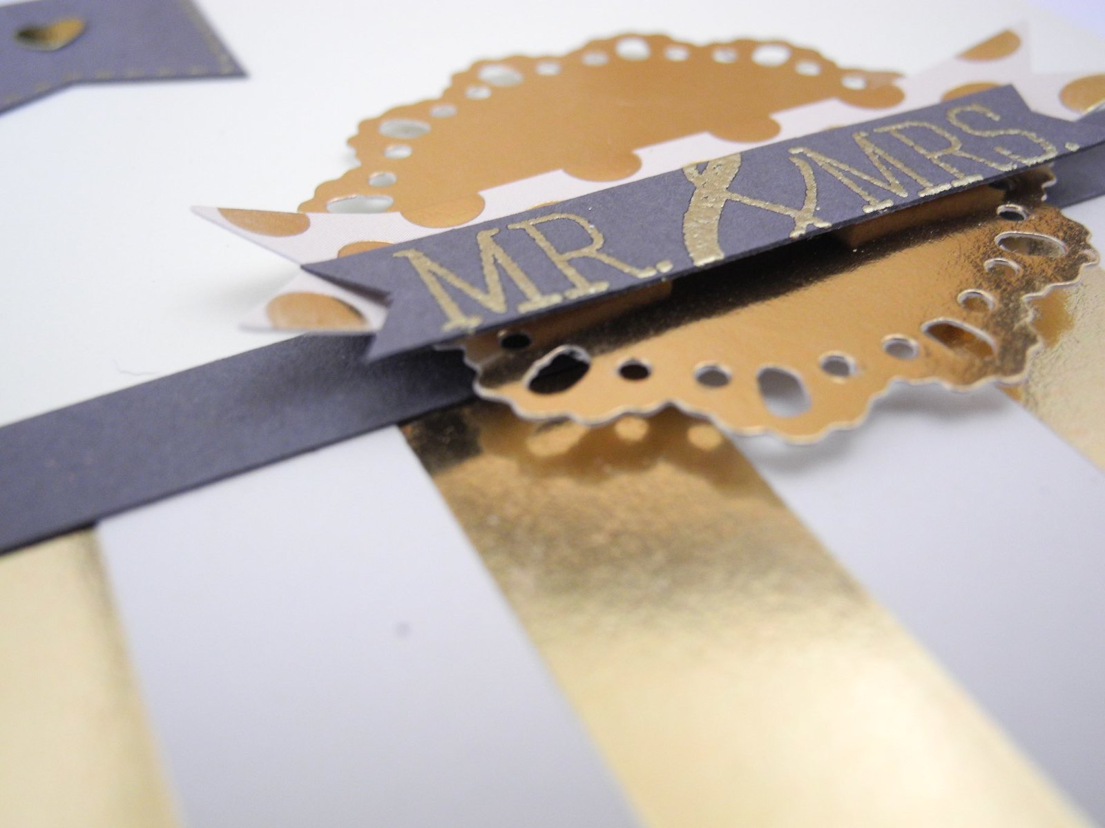 Mr. & Mrs. by Jennifer Ingle #simonsaysstamp @simonsaysck #cardkit #diy #wedding #gold
