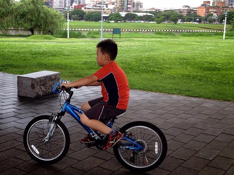 Min 會騎單車