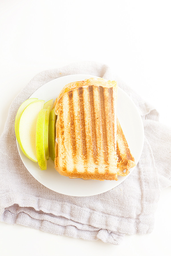 buffalo style turkey panini with apples and blue cheese @TysonFoods #WinCoFoodsFuelforSchool #ad
