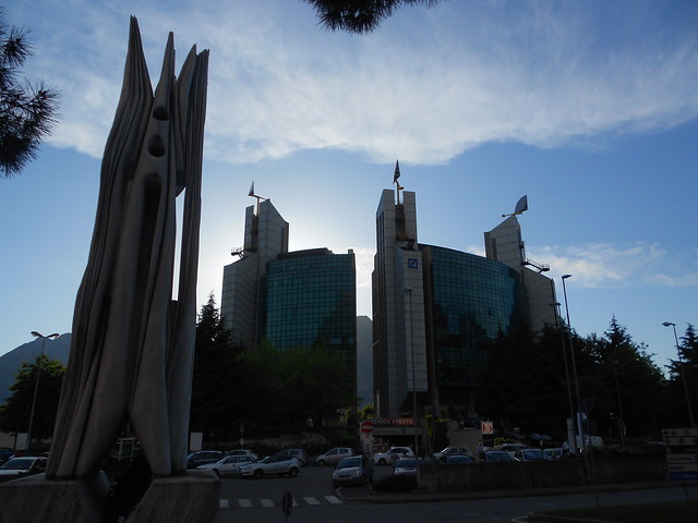 scultura, Pablo Atchugarry, centro Meridiana, Renzo Piano, Lecco