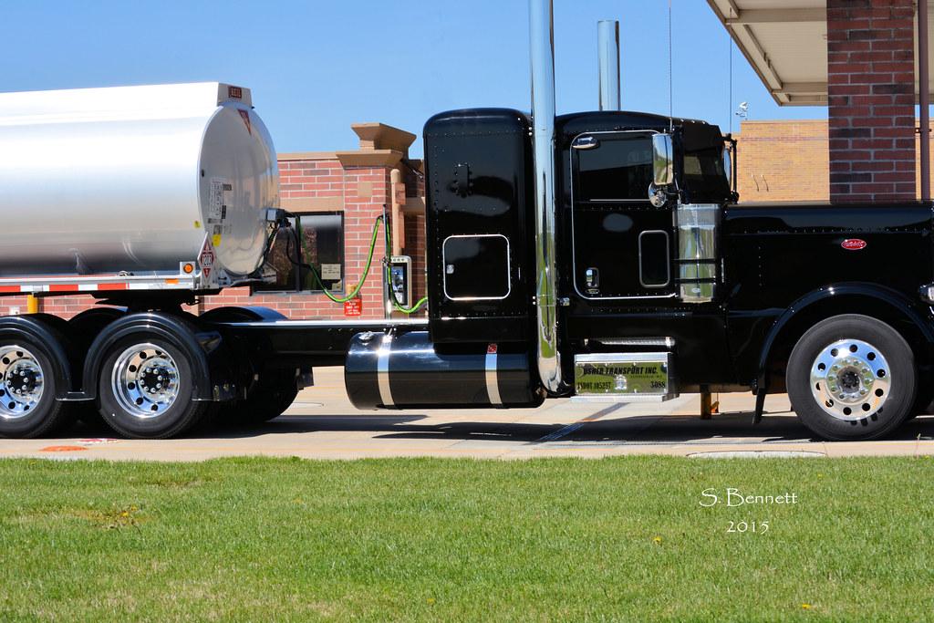 Sam S Club >> Black Peterbilt   Black Peterbilt Offloading Fuel At Sam's ...