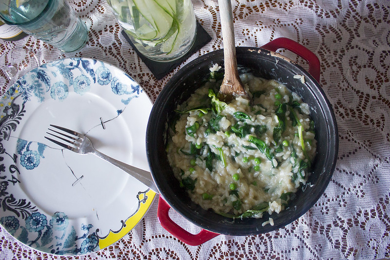 Easy pea and spinach baked risotto