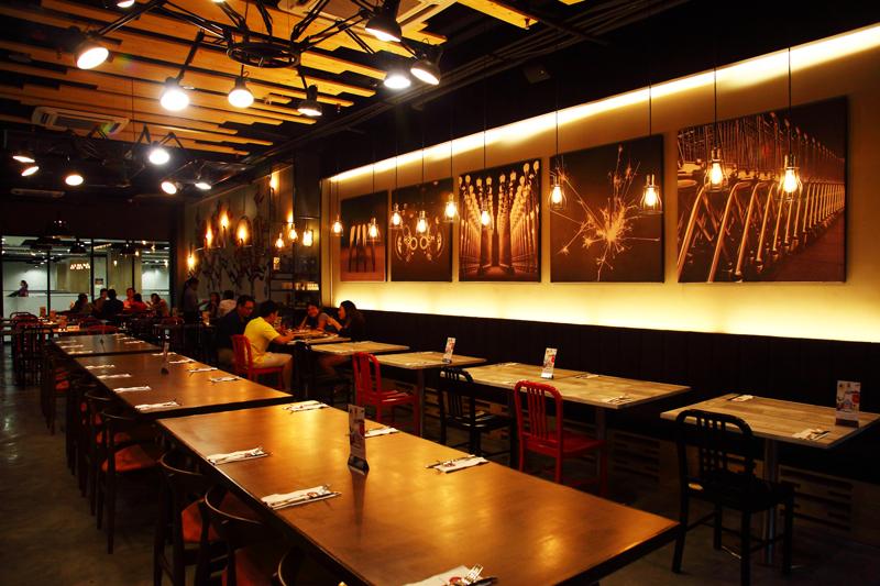 Enorme-Restaurant-Interior