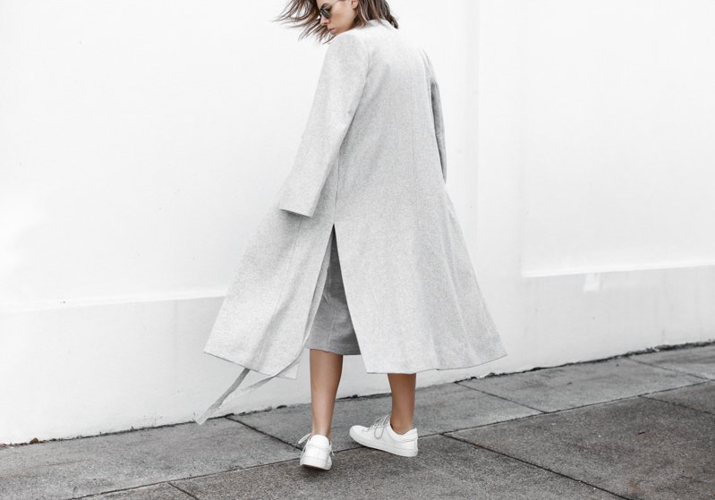 modern legacy, fashion blog, grey street style, minimal, grey coat, white leather sneakers  (1 of 1)
