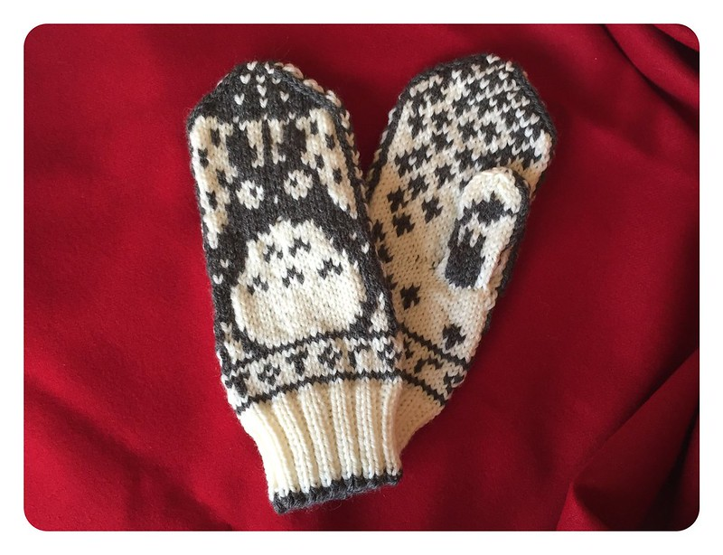 Red Knits_Totoro Mittens