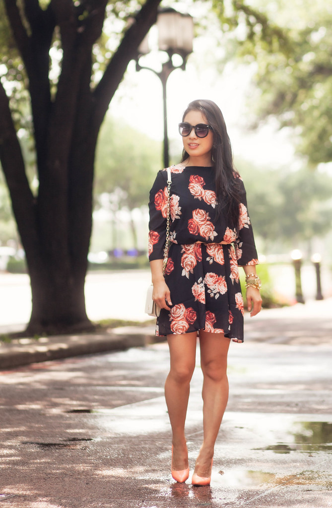 cute & little blog | petite fashion | sheinside black floral chiffon dress, tory burch robinson wallet on chain, pretty small shoes peach pumps | spring summer outfit