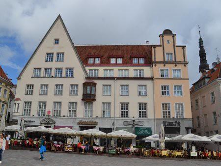 Tallinn piata Raekoja 3