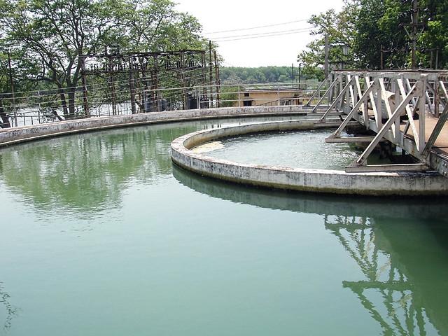 The water treatment plant at Mohara village near Rajnandgao.