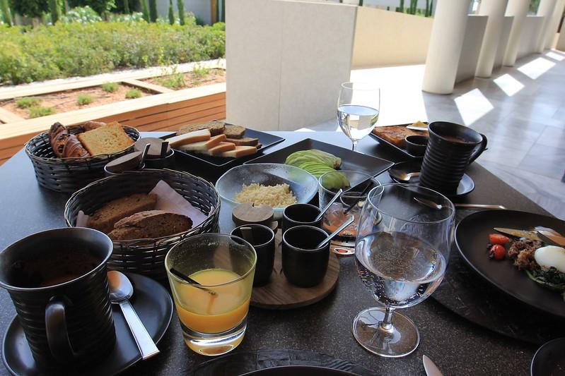 Amanzoe breakfast