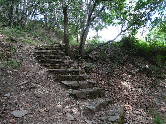 Escaleras en el PR-G 169 Roteiro Fervenza das Hortas