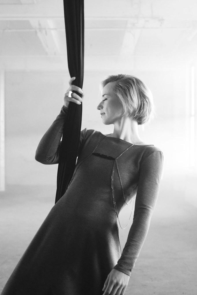 Karine Vanasse X Elisa C-Rossow - K4 dress