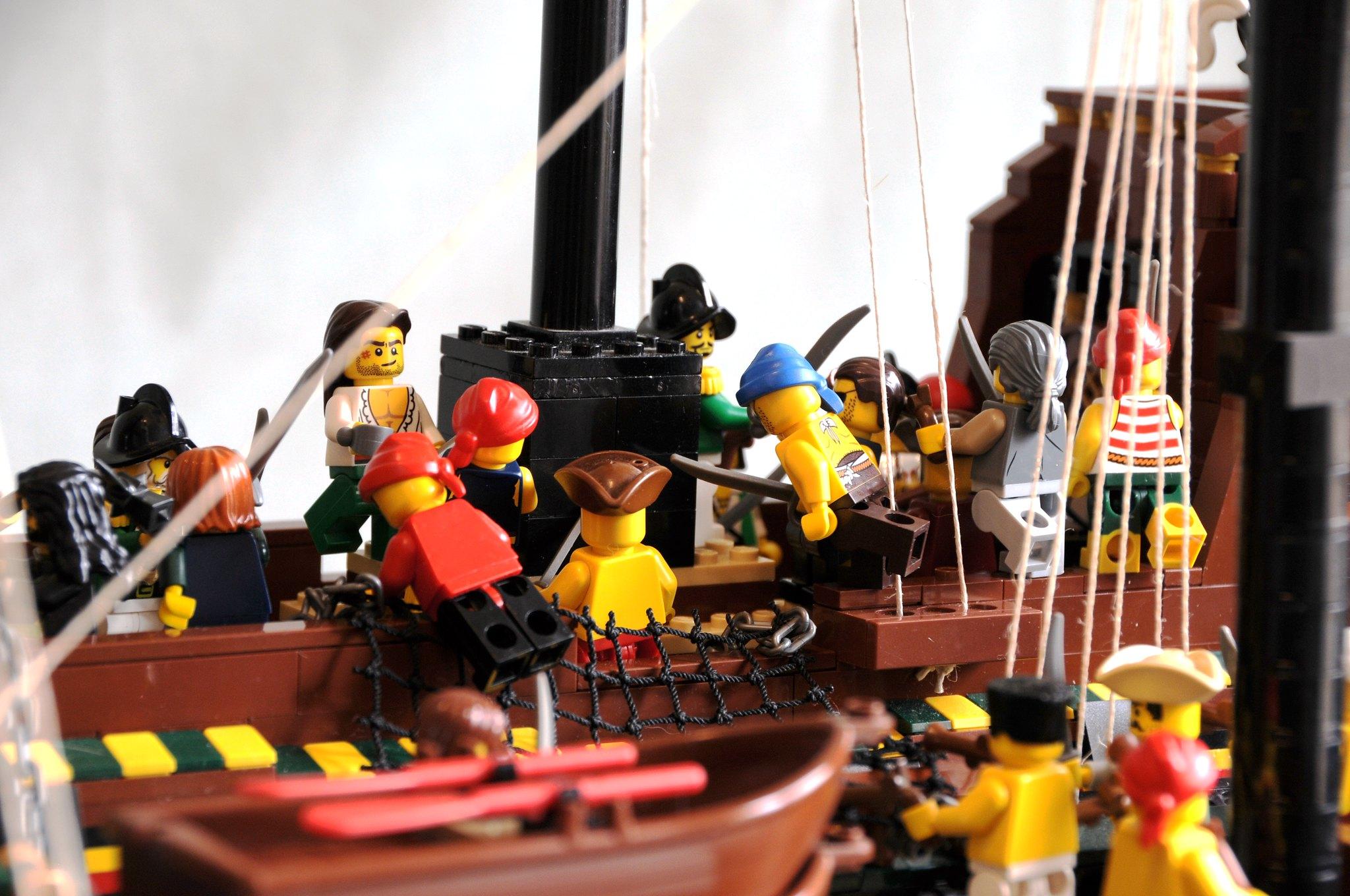 Taking the treasure galleon - melee