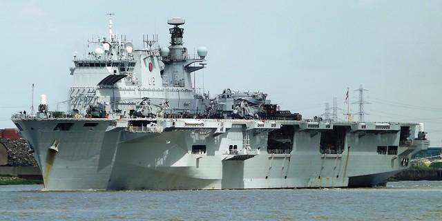 HMS Ocean L12 (6) @ Gallions Reach 07-08-15