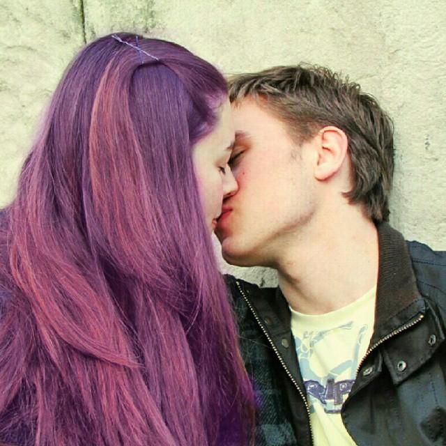 Now Boys Kiss And Makeup
