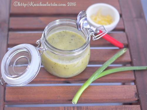 Zucchini-Kartoffelsuppe mit Cheddar