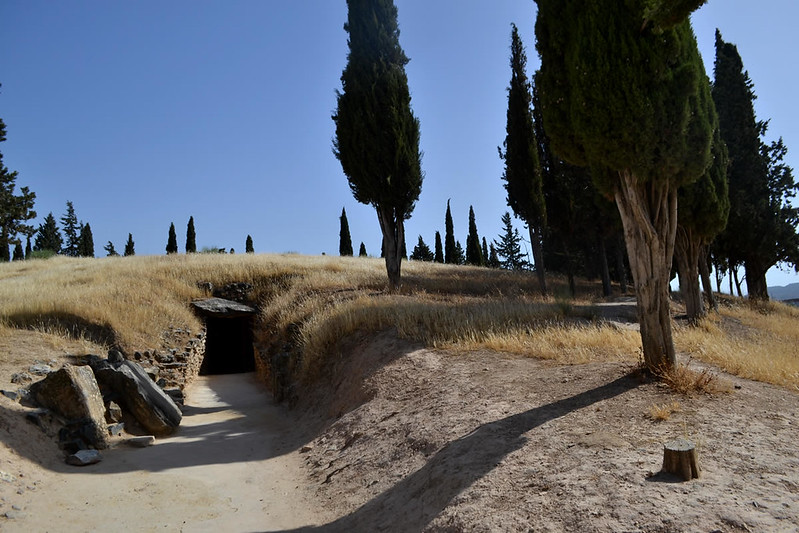 Entrada a El dolmen de El Romeral.