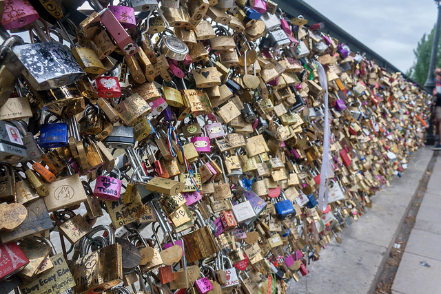 The love lock bridge (Pont de l'Archevêché), Paris