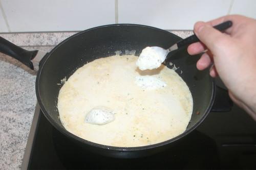 29 - Creme fraiche einrühren / Stir in creme fraiche