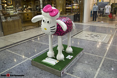 HELLO KITTY'S #ONEKINDTHING No.49 - Shaun The Sheep - Shaun in the City - London - 150511 - Steven Gray - IMG_0248