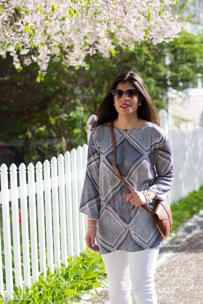 blue and white printed tunic, white jeans-3.jpg
