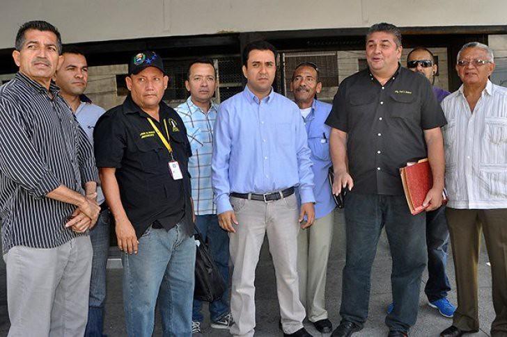Despedidos de Seniat y Corpoelec acuden a la Defensoría del Pueblo