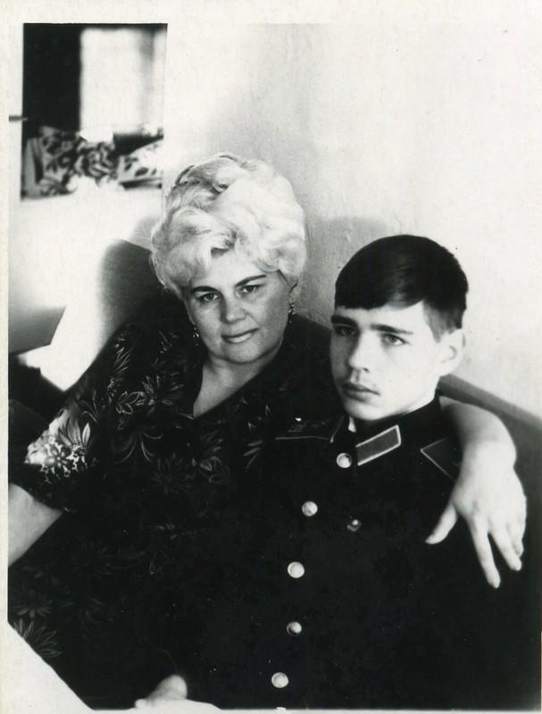 С мамой 1974 г