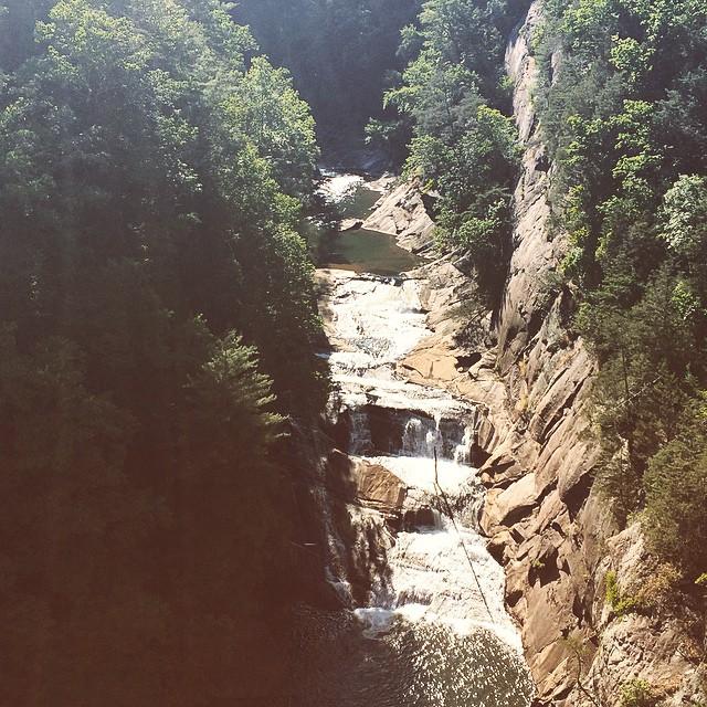 The falls. #waterfall #nature #beautifulday #tallulahgorge #tallulahfalls #tallulahgorgestatepark #stateparks #discovergeorgia #exploregeorgia #georgia #igersga #igersgeorgia #northgeorgia #hiking