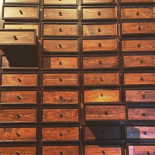 Cassetti della memoria della Terra, sistemati e messi in ordine da Marie Kondo