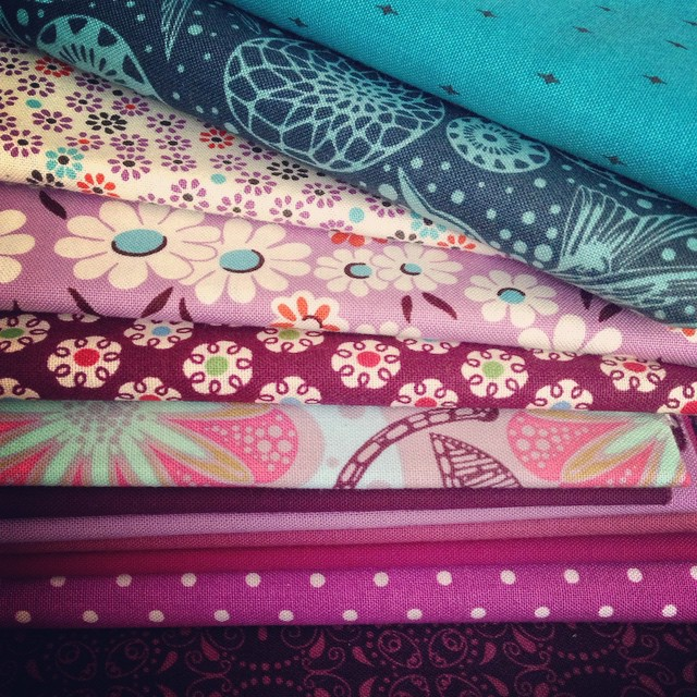 Whatchu think about these fabrics, partner? #teamemiroos #handpiecedminiswap