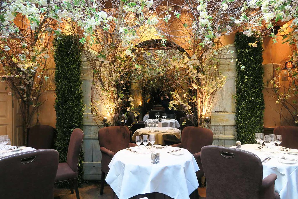 clos-maggiore-restaurant-review-in-london-covent-garden-cherry-blossom-dining-room
