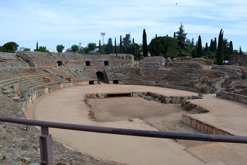 El anfiteatro romano de Mérida ha sufrido más que el teatro el paso del tiempo.