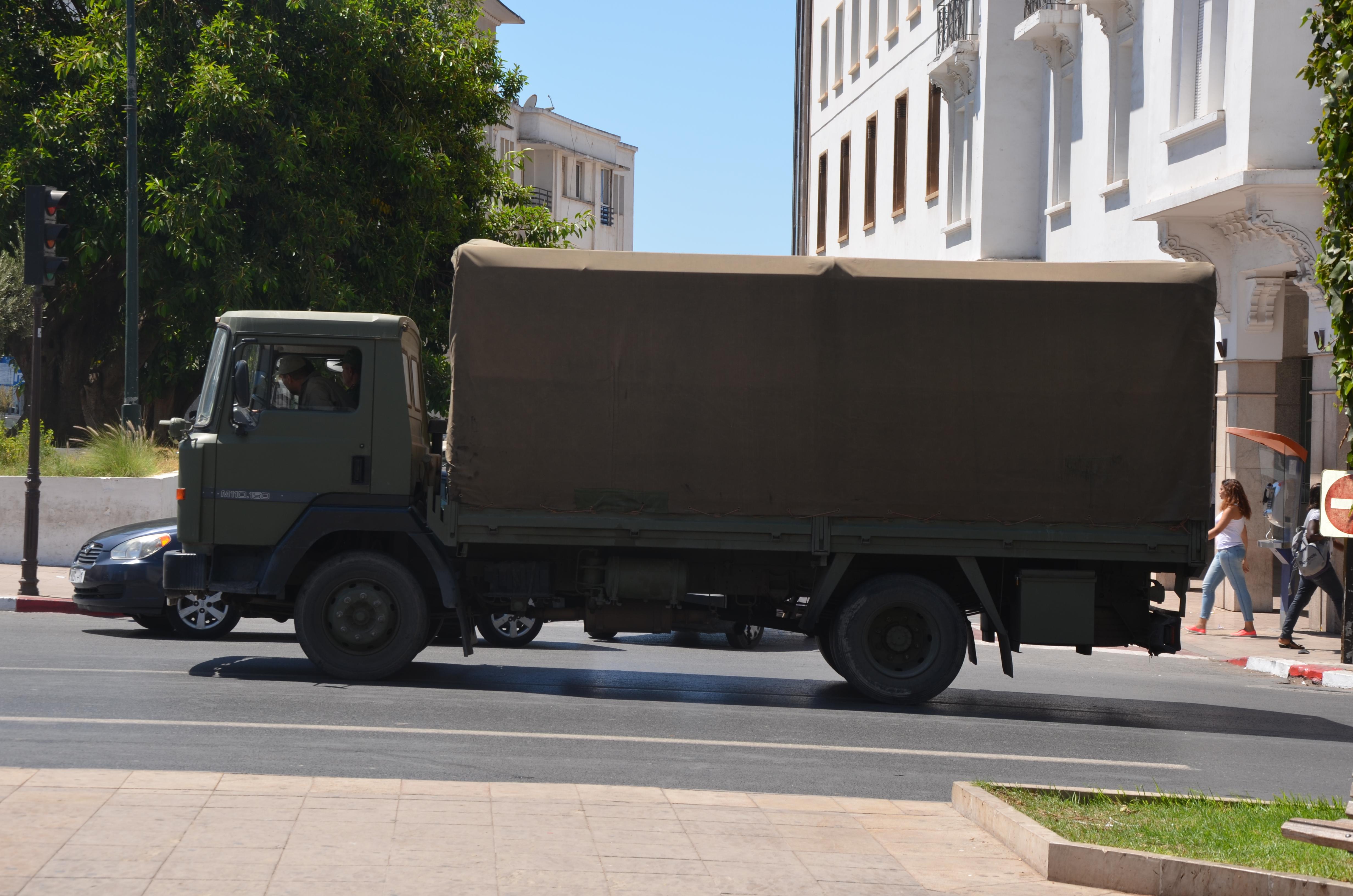Photos - Logistique et Camions / Logistics and Trucks - Page 7 29465913220_26e677a302_o