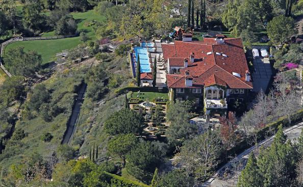 Вилла с бассейном в Калифорнии модели Хайди Клум