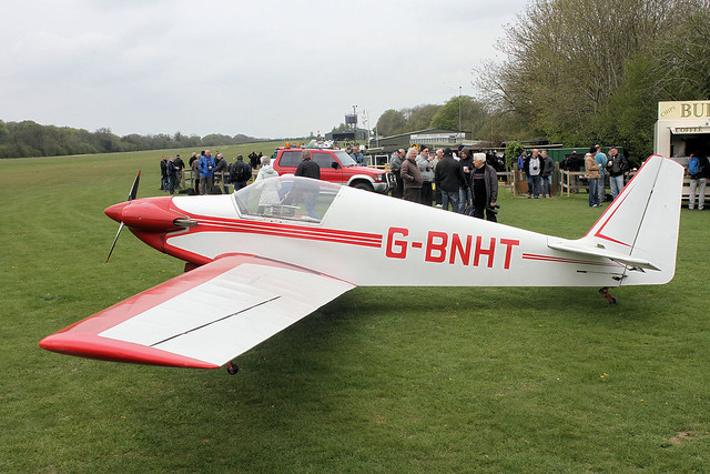 G-BNHT
