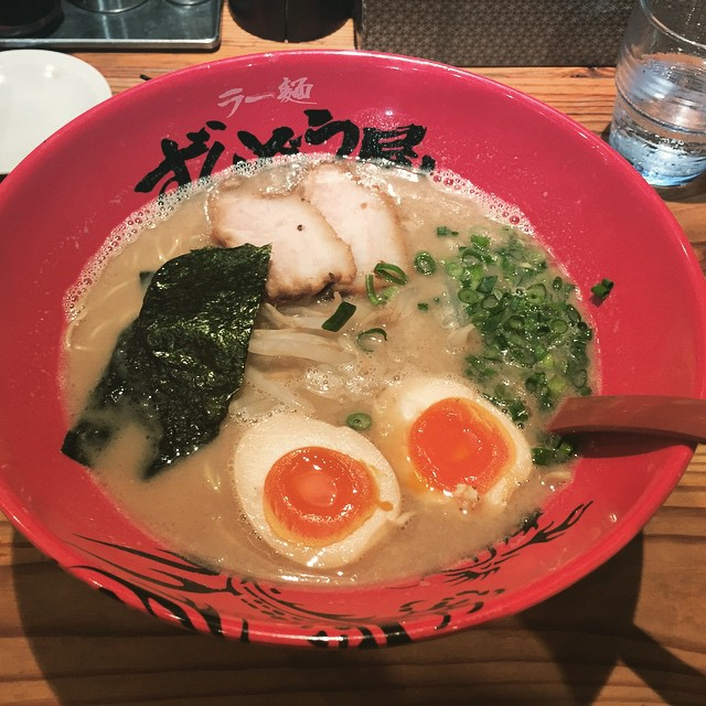超美味しかった!日本のラーメンを食べました