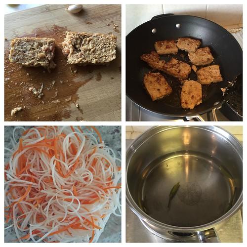 Momofuku lemongrass pork sausage ssam