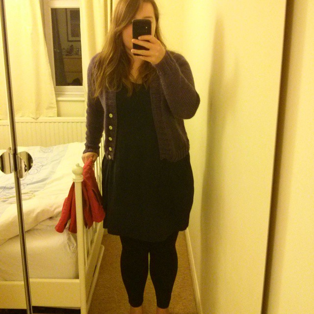 #mmm15 day 26 - wore my red NL6154 to work then my purply boyfriend cardigan for post-gym cooking & lounging