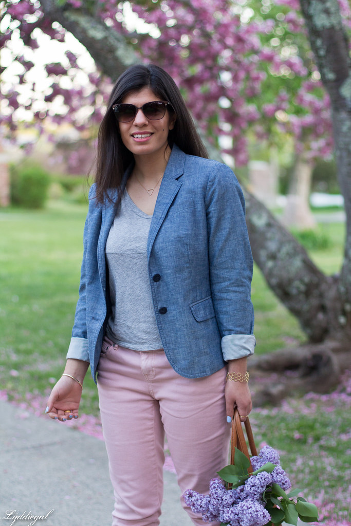 Chambray blazer, pink jeans, leather tote-8.jpg