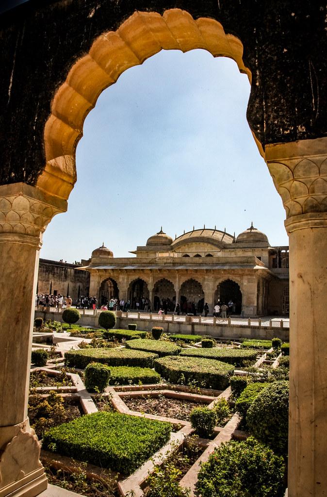 The Sukh Niwas Hall Of Pleasure Amer Fort Outside Ja