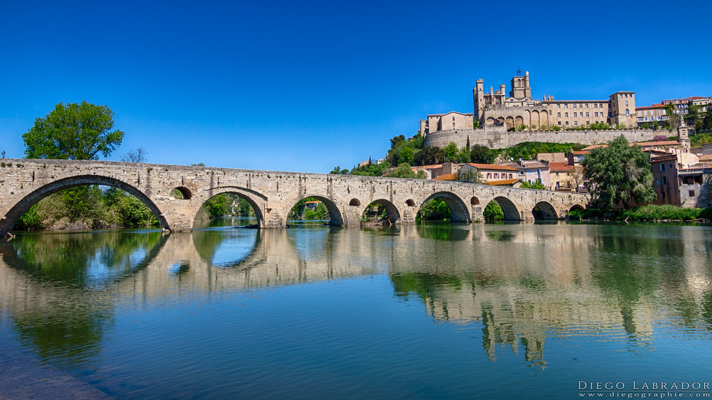 L 39 orb le pont vieux et la cath drale saint nazaire b zi for Maison de la literie beziers