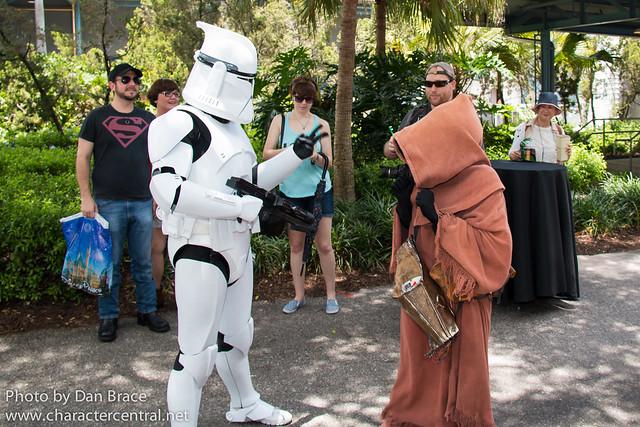 Clone Trooper and a Jawa