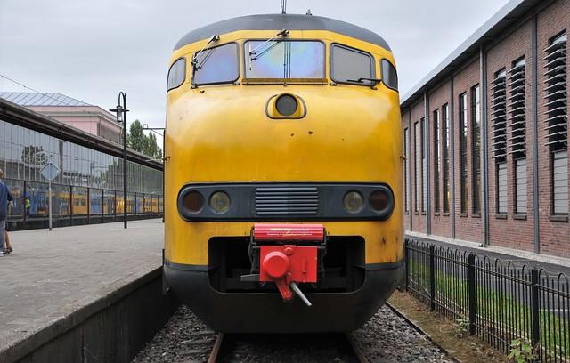 Utrecht Maliebaan Afscheidsrit Mat'64 Apekop neus