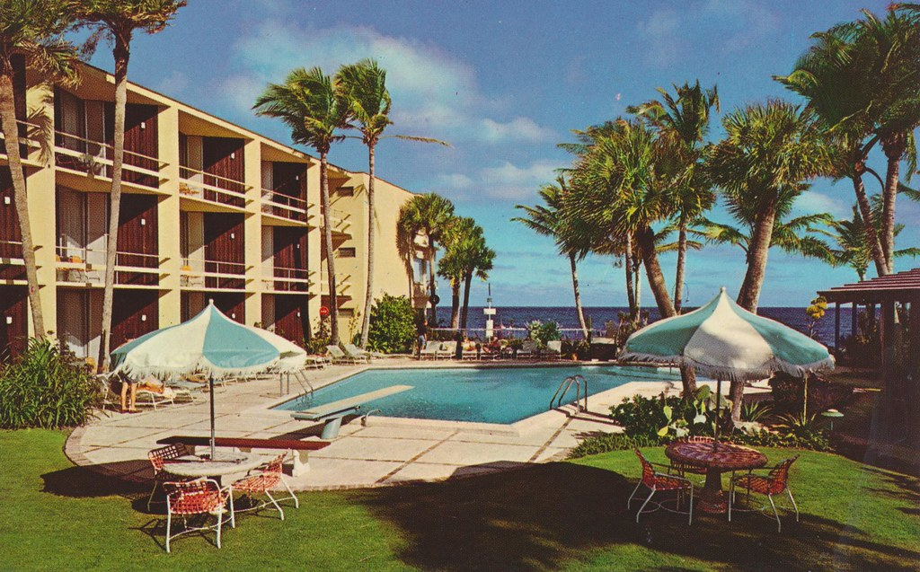 Holiday Inn - Pompano Beach, Florida