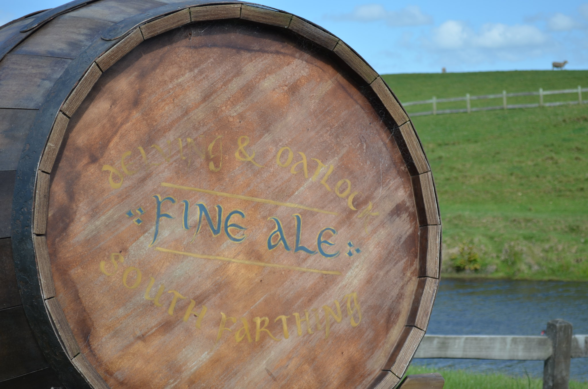 Hobbiton - beer barrel
