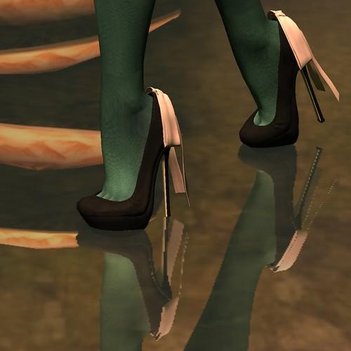 Lassitude & Ennui: 21 Shoe