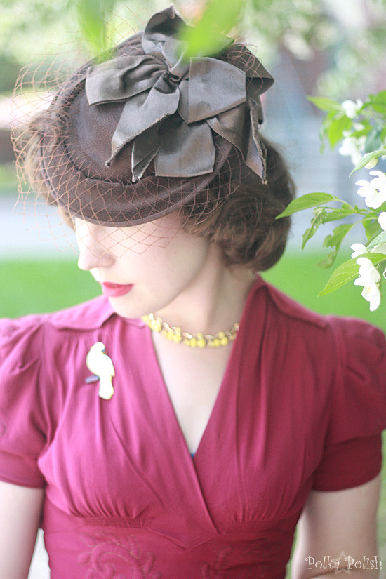 40s brown tilt hat front