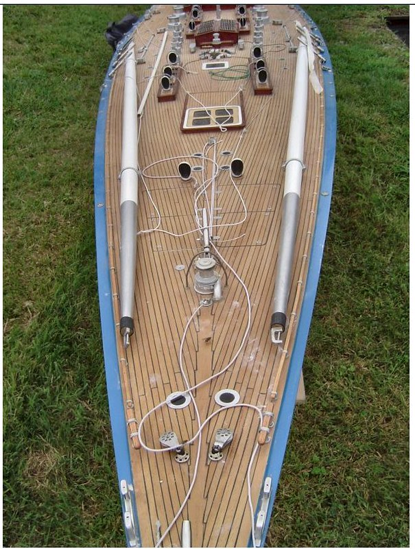 Endeavour sailboat model 17187246936_f961ca06be_c