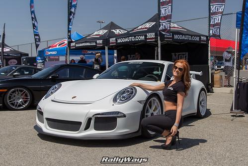 Gmg Porsche 991 Gt3 Girl Gmg Model And A Porsche 991 Gt3
