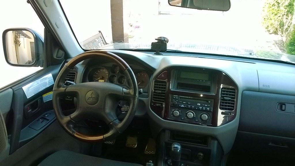 Mitsubishi Pajero V60 interior | Mitsubishi Pajero 3.2 Di-D … | Flickr