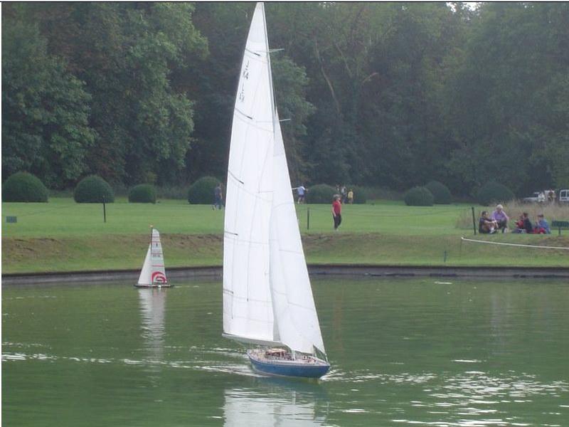 Endeavour sailboat model 17027025079_9604e80e0e_c